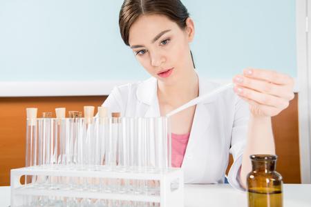 科学者を実験