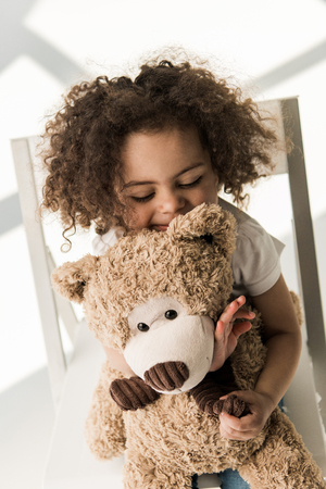 baby girl with teddy bear Stok Fotoğraf - 79115847