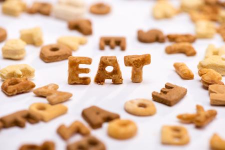 Close-up vista della parola mangia e sano colazione cereali alfabeto Archivio Fotografico - 80603371