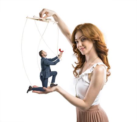 Homme manipulé par une femme rusée pour faire une proposition Banque d'images - 84966029