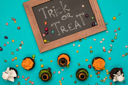halloween cupcakes and board Stock Photo