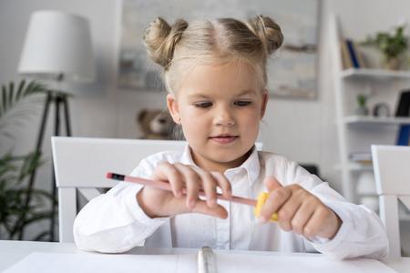lápis de afiar criança