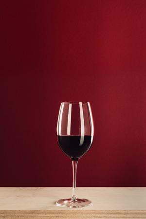 グラスに赤ワイン 写真素材