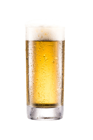close up view of glass of fresh beer with froth isolated on white 版權商用圖片