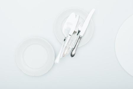 Vue de dessus de vaisselle propre isolé sur blanc Banque d'images - 89883968