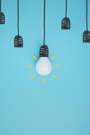 top view of light bulb pretending hanging on lamp holder 版權商用圖片