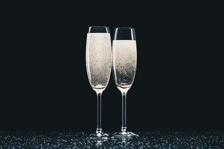 シャンパン付きグラス2杯 写真素材