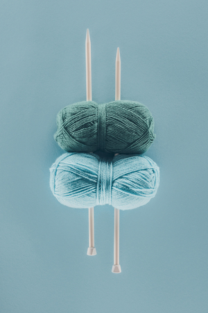 knitting yarn with knitting needles Archivio Fotografico