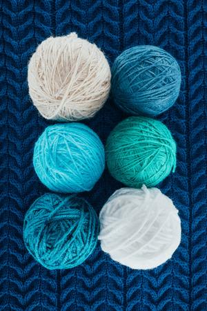 異なる編み糸ボール