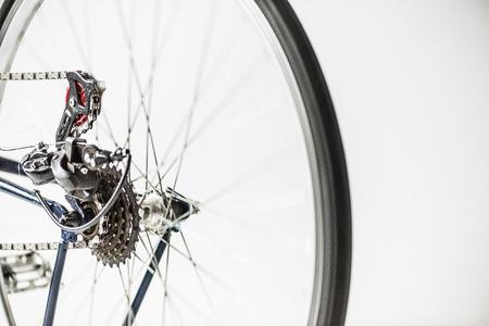 スポーク付き自転車用ギアとホイール