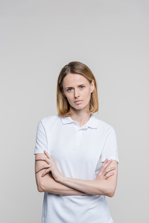 woman with crossed arms Foto de archivo