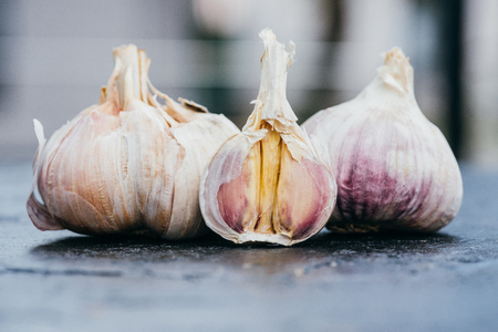close-up view of raw healthy garlic cloves