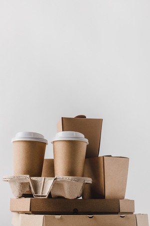 pizza boxes and disposable coffee cups isolated on white Archivio Fotografico - 99972993