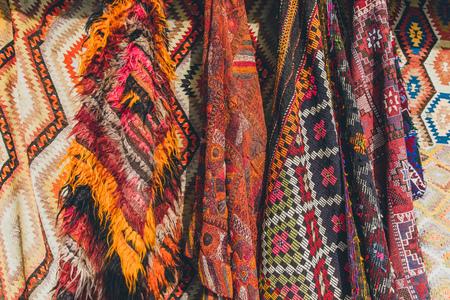old traditional Turkish carpet shop in cappadocia, turkey 版權商用圖片 - 105704911