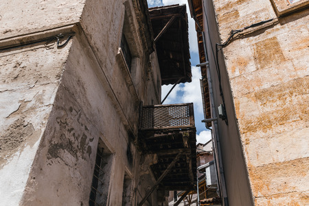 low angle view of traditional old houses in cappadocia, turkey 版權商用圖片 - 105705069