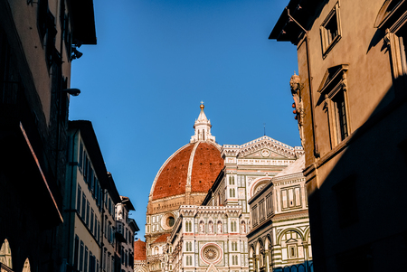 historic buildings and famous Basilica di Santa Maria del Fiore in Florence, Italy 스톡 콘텐츠