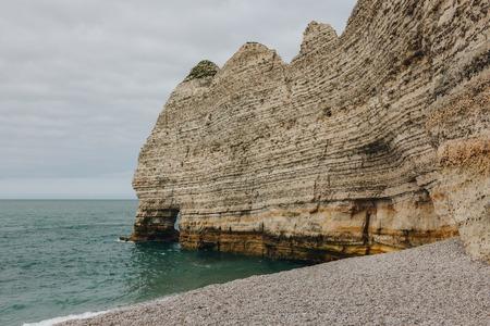 beautiful calm sea near cliff, Etretat, Normandy, France Banque d'images - 105954697