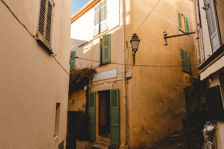 ancient grungy buildings at old european town, Cannes, France 版權商用圖片
