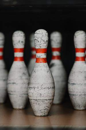 close-up shot of grungy bowling pins 版權商用圖片 - 111196767