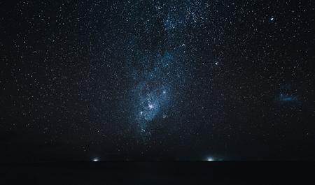 amazing starry sky above ocean at night, Thoddoo island, Maldives 스톡 콘텐츠