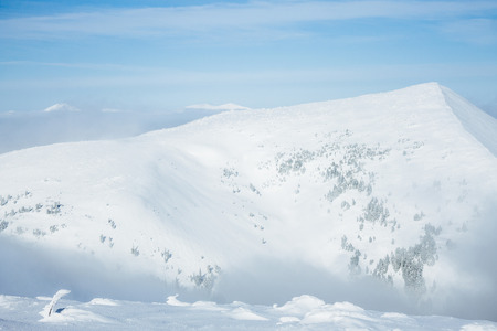 Scenic view of snowy Gorgany mountains Imagens