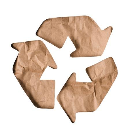 Draufsicht des Papiermüllrecyclingzeichens isoliert auf weiß Standard-Bild