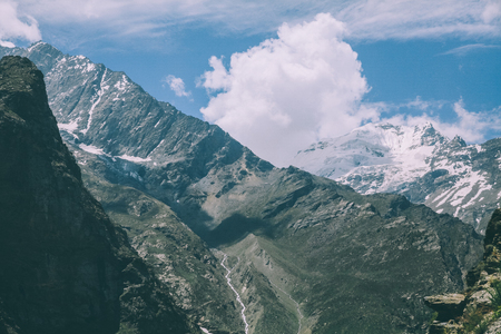 beautiful mountain landscape with majestic snow capped peaks in Indian Himalayas, Rohtang Pass Stok Fotoğraf