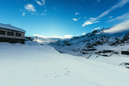 beautiful snowy mountains landscape with blue sky, Austria Banco de Imagens