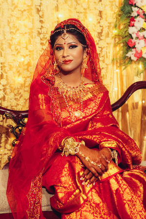 portrait of beautiful indian woman in traditional clothes looking at camera Banco de Imagens