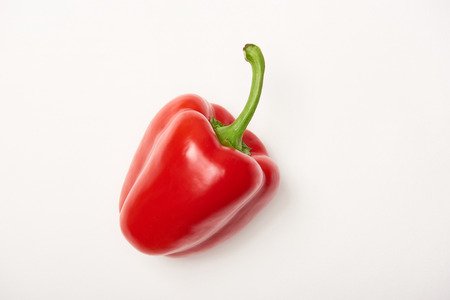 Studio shot of fresh bell pepper on white background Banque d'images