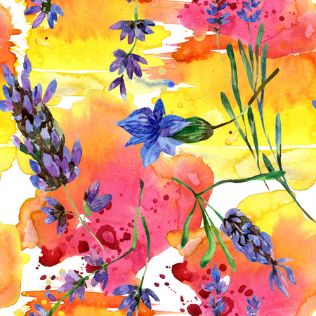 Purple lavender. Floral botanical flower. Wild spring leaf wildflower isolated. Watercolor background illustration set. Watercolour drawing fashion aquarelle isolated. Seamless background pattern. Banque d'images - 117456042