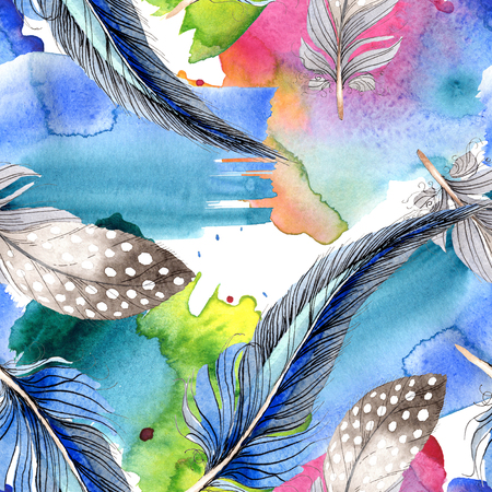 Watercolor blue and black bird feather from wing. Aquarelle feather for background, texture, wrapper pattern. Watercolour drawing fashion seamless background pattern. Fabric wallpaper print texture. 写真素材 - 117489455