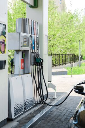 Selective focus of automobile refueling with benzine on gas station