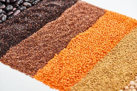 black quinoa, buckwheat, lentil and beans isolated on white Zdjęcie Seryjne