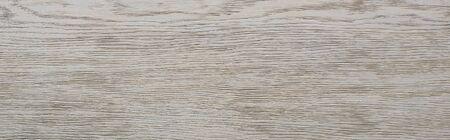 Blick von oben auf den leeren Holztisch mit Kopierraum