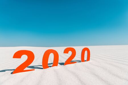 2020 numbers on white sand on beach in Maldives 스톡 콘텐츠
