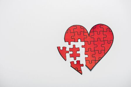 top view of drawn red heart shape puzzles isolated on white 스톡 콘텐츠