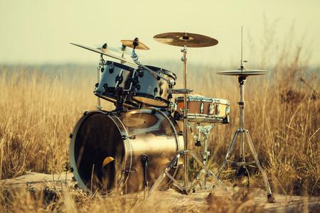 fresh air: Drum set su aria fresca Archivio Fotografico