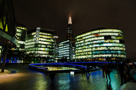 moder: Moder buildings in london next to the river Thames close to Tower bridge. Editorial