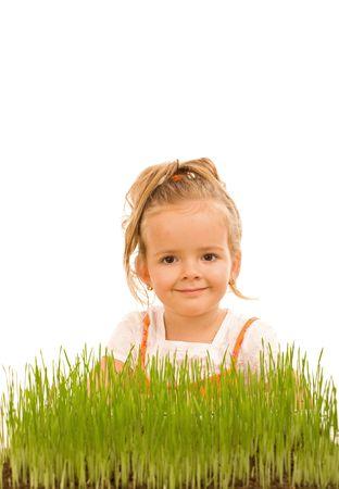 educazione ambientale: Bambina cresce erba - concetto di educazione ambientale, isolato