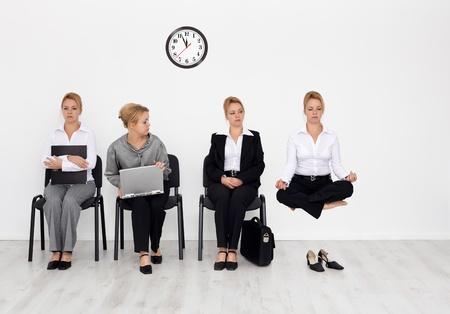 Los empleados con habilidades especiales quería concepto - los candidatos entrevista de trabajo en espera