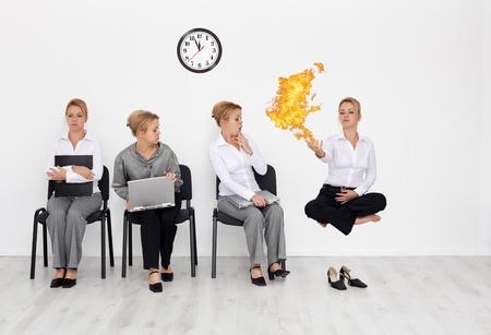 Les employés ayant des compétences particulières voulu concept - les candidats en attente entretien d'embauche Banque d'images