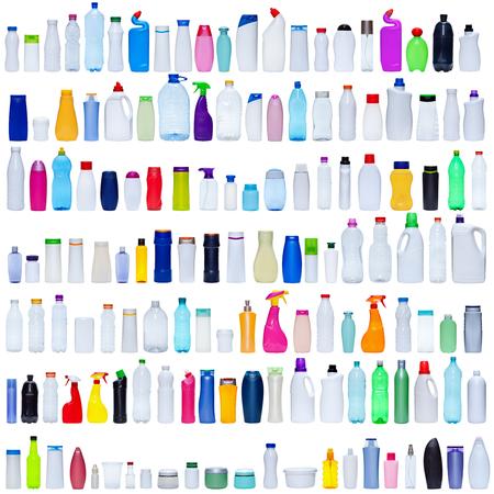 botella de plastico: Amplio conjunto de botellas de pl�stico aislado en blanco - el envasado y el concepto de la contaminaci�n Foto de archivo