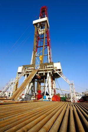oilfield: A land drilling rig in Shengli Oil Plant,CHN