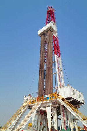 Land drilling rig