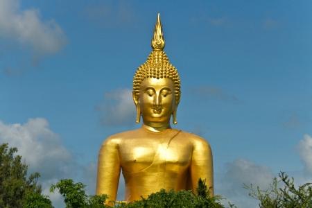 gloden: Gloden buddha wat muang Thailand Stock Photo