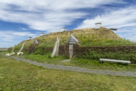 aux: Reproduction of a Viking long hall in L