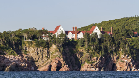 Keltic Lodge Resort perched atop the Middle Head Cliffs in Ingonish, Nova Scotia in the Cape Breton Highlands. Reklamní fotografie