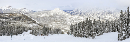 ski run: A panoramic view of a ski run at Purgatory Ski Resort, with the Needles mountains in the San Juan National Forest in Colorado. Stock Photo