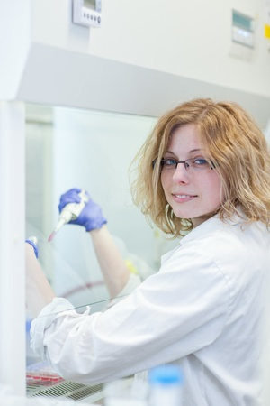 portrait of a female researcher doing research in a lab (shallow DOF; color toned image) Stock Photo - 9787484
